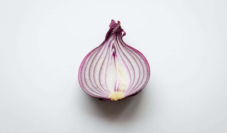 How Does Onion Benefit You For Hair Regrowth?