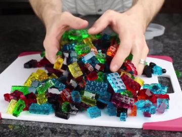 candy5 360x270 - How To Make Edible And Functional LEGO Gummy Candy?