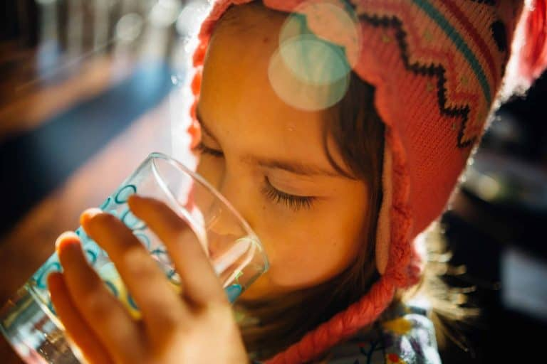 8 Signs You're Not Drinking Enough Water