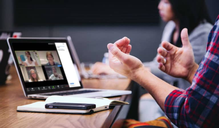 10 Best Video Conferencing Software For Both Individual and Business