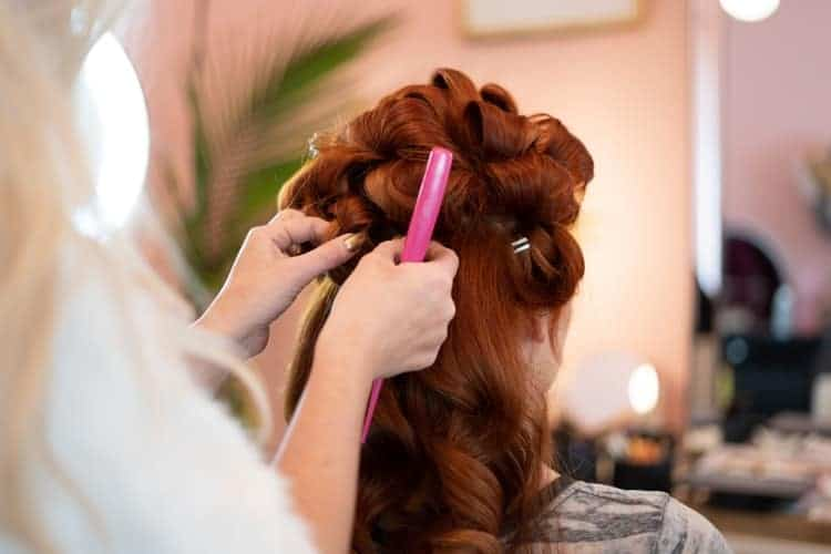 hair styling - 10 Best Speedy Hair and Makeup Tricks!