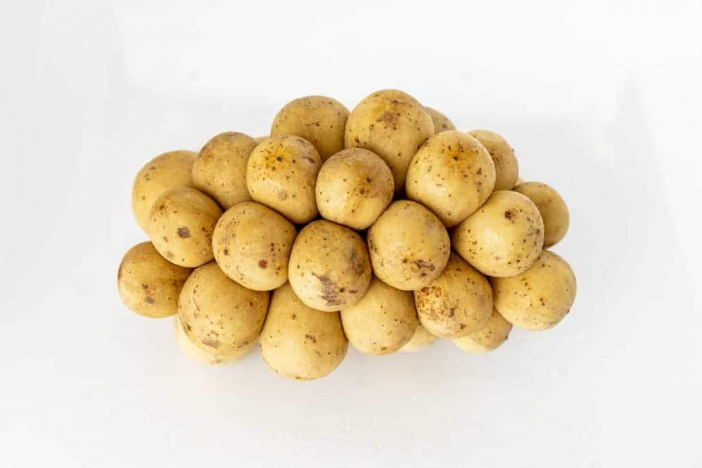 Potato as remedy to remove sun tan