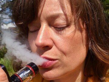 Nicotine Is In Vape E-Juice